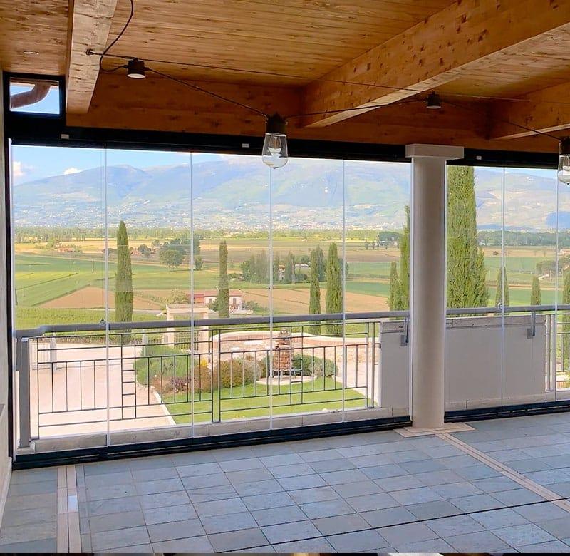 vetrate scorrevoli per balconi e terrazzi